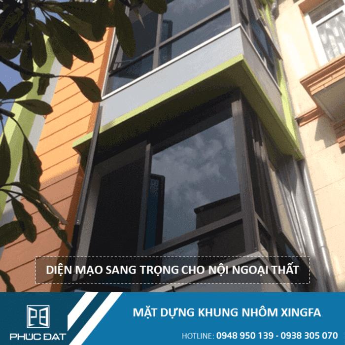 Mặt dựng Xingfa hệ 65 kết hợp cửa sổ mở quay