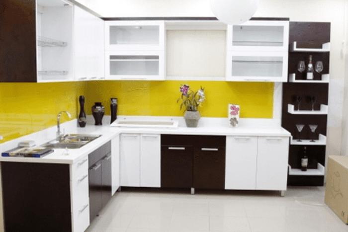 Kính ốp bếp màu vàng cam mạnh mẽ & đầy sức sống