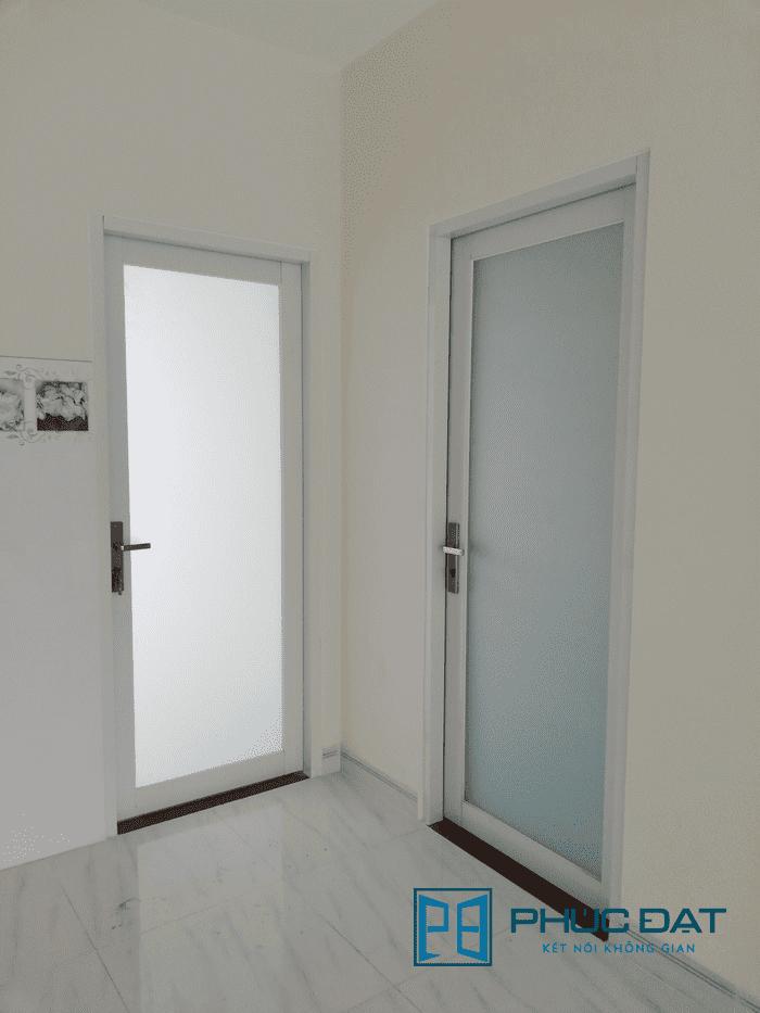 Cửa nhôm Xingfa 1 cánh màu trắng sữa