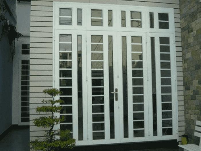 Cửa khung sắt bị yếu thế về độ bền so với loại khung cửa khác