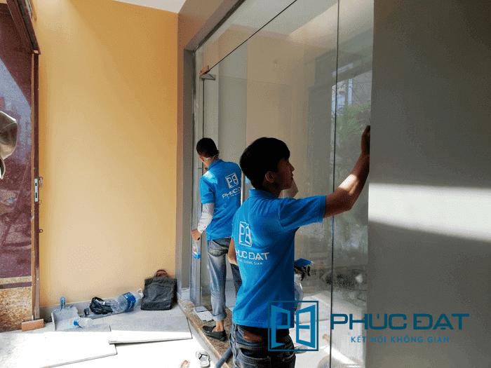 Lắp đặt hoàn thiện & vệ sinh cửa kính - Công trình tại đường Tô Ký, Quận 12, TpHCM