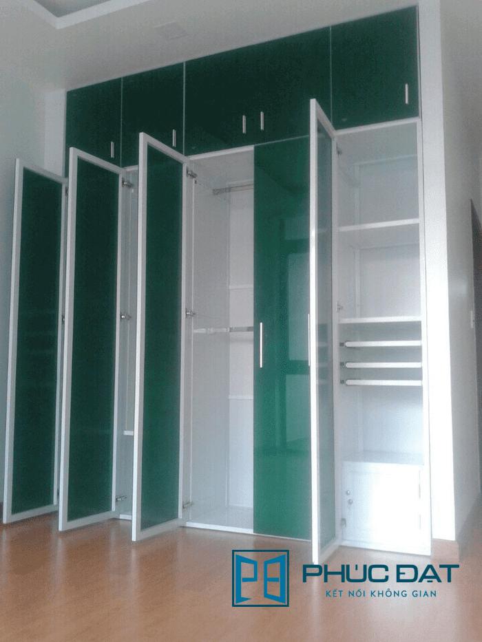 Tủ quần áo 4 buồng sử dụng kính màu sang trọng