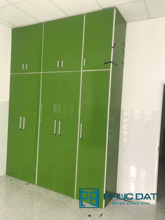 Tủ quần áo nhôm kính màu xanh lá sang trọng