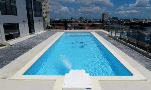 Tận dụng sân thượng để kinh doanh hồ bơi cũng là một ý tưởng không hề tồi chút nào!