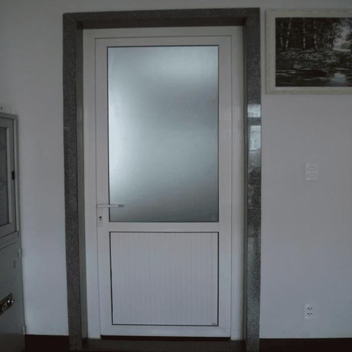 Mẫu cửa nhôm hệ 700 đẹp cho nhà vệ sinh.