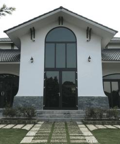 Cửa nhôm uốn vòm thường chỉ được sử dụng cho các công trình kiến trúc sang trọng.
