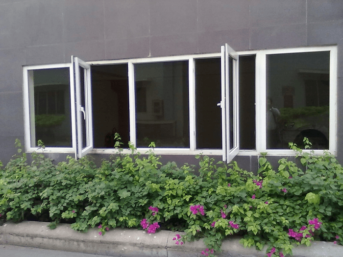 Bên cạnh việc chọn kích thước cửa sổ theo phong thủy để đem lại sự thuận lợi, may mắn thì cửa sổ còn có tác dụng điều hòa không khí, làm thông thoáng ngôi nhà.