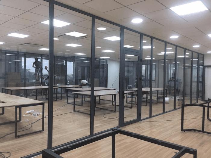 Công trình vách nhôm kính Xingfa văn phòng.