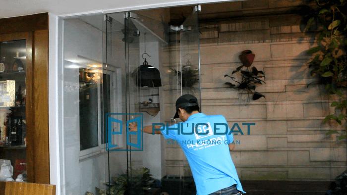 Bộ cửa kính lùa xếp Phúc Đạt lắp đặt cho khách hàng tại quận Bình Tân, TpHCM
