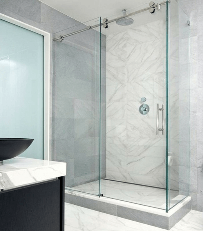 Vách tắm kính 90 độ cửa lùa sang trọng.