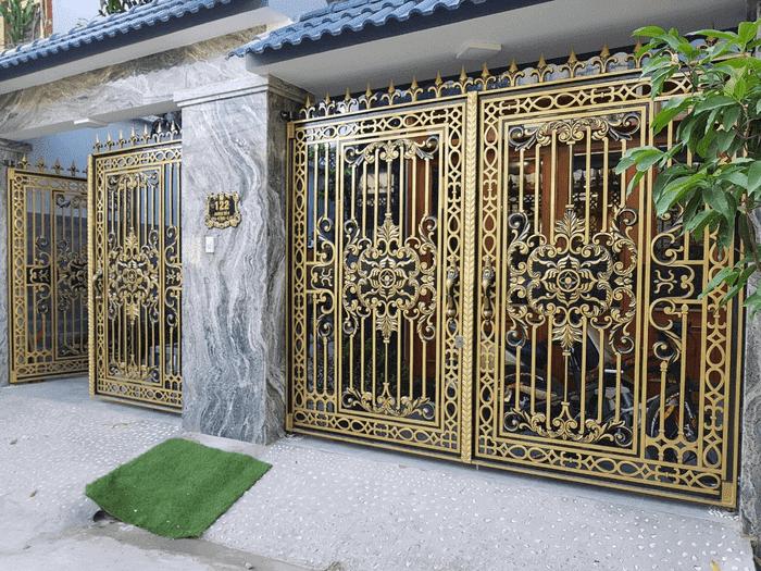 Mẫu cổng đơn giản với giá tốt nhưng không kém phần sang trọng
