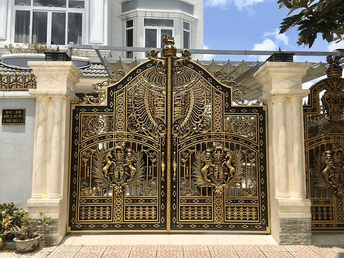 Lắp đặt hoàn thiện cổng nhôm hợp kim