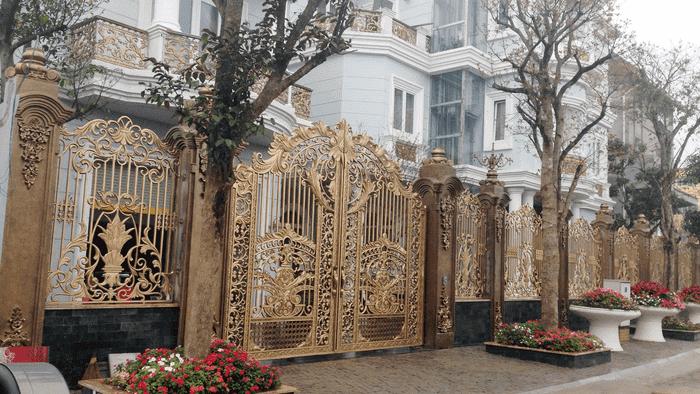 Cửa cổng kết hợp hàng rào nhôm đúc