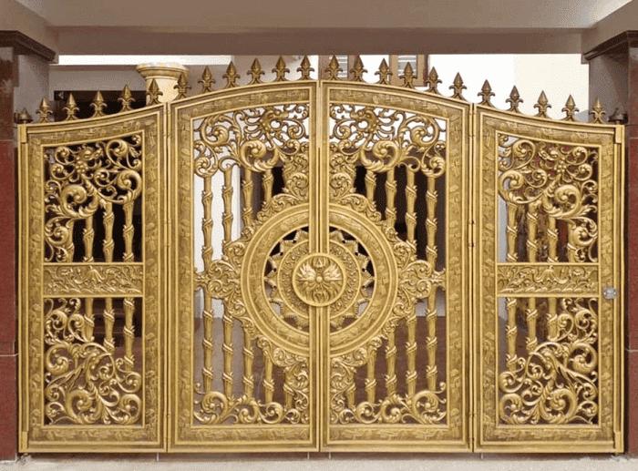 Cổng nhôm chạm khắc hoa sen tinh tế