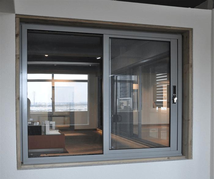 Cửa sổ nhôm PMA màu xám ghi.