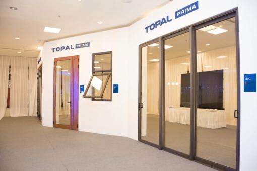 Các mẫu cửa nhôm Topal trưng bày tại showroom