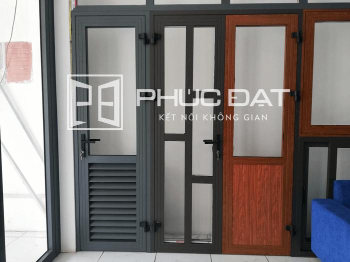 Các mẫu cửa nhôm kính 1 cánh Xingfa có thiết kế đặc biệt tại showroom Phúc Đạt.
