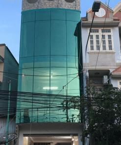 Kính xây dựng loại kính phản quang sử dụng nhiều trong kiến trúc cao tầng.
