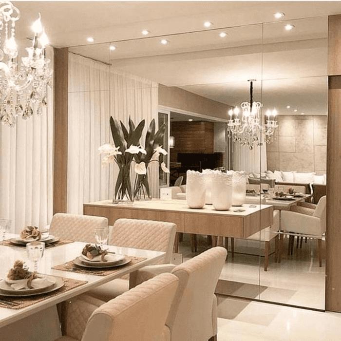 Phòng ăn căn hộ đẹp như nhà hàng 5 sao nhờ trang trí bằng kính thủy trang trí