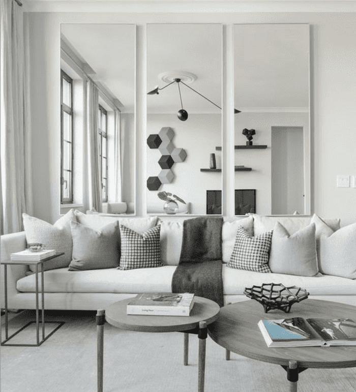 Mẫu kính ốp tường trang trí phòng khách đẹp