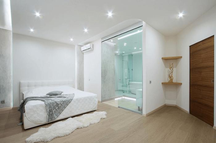 Phòng tắm kính nhỏ đẹp tiết kiệm diện tích và được đặt ngay trong phòng ngủ.
