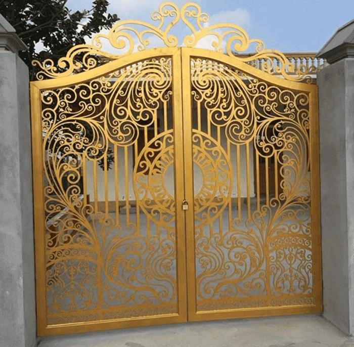 Sơn cổng màu đồng cho cổng sắt mỹ thuật.