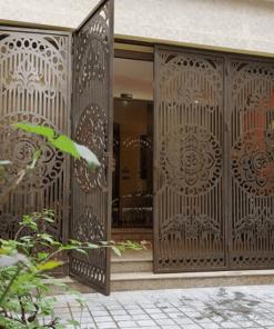 Mẫu cửa cổng sắt xếp trượt 4 cánh đẹp lắp đặt cho nhà biệt thự.