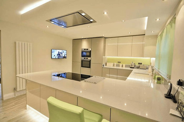 Tủ bếp Acrylic lắp đặt đầu năm 2020.