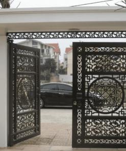 Bộ cổng lắp đặt cho biệt thự ở Hà Nội.