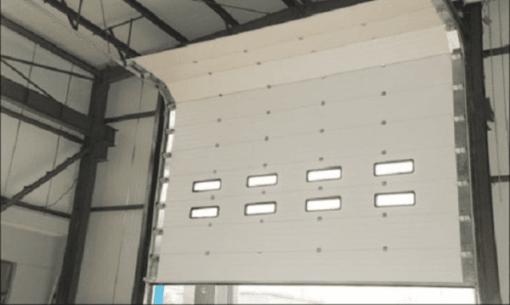 Sản phẩm cửa cuốn trượt trần được Phúc Đạt lắp đặt cho khách hàng làm nhà xưởng tại TpHCM.
