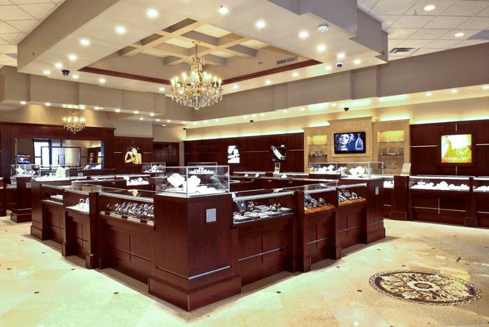Ngoài chức năng lưu trữ, bảo vệ thì tủ đựng trang sức, tủ vàng bạc cần thể hiện tính thẩm mỹ làm gia tăng giá trị của loại trang sức.