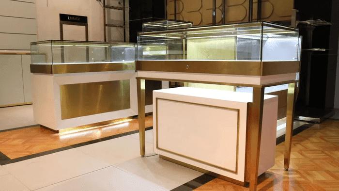 39+ Mẫu tủ trưng bày trang sức, tủ vàng bạc đẹp nhất – lắp đặt giá tốt 2020