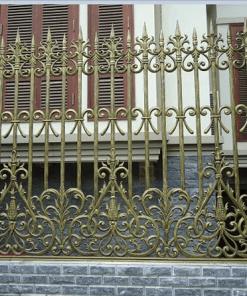Sơn hàng rào đẹp màu vàng đồng.