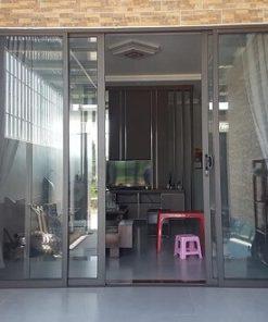 Cửa kính cường lực khung nhôm Xingfa.