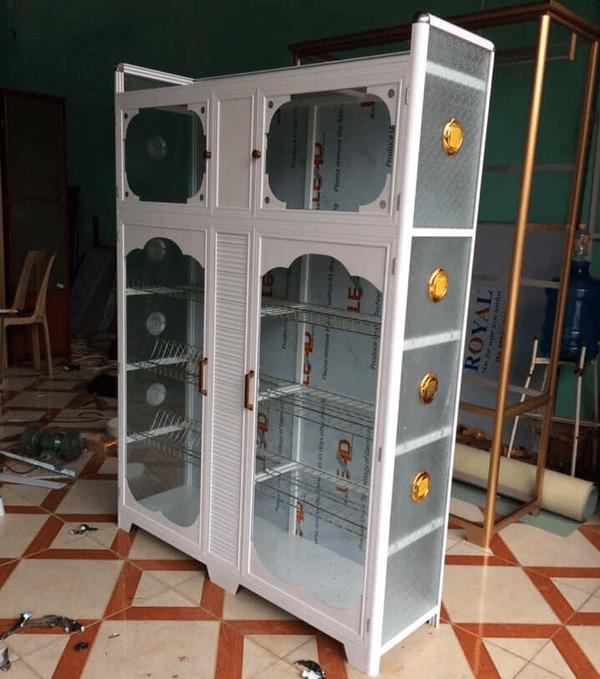 Mỗi bộ tủ đều được Phúc Đạt lắp các phụ kiện thông gió hai bên để tủ không bị ẩm.