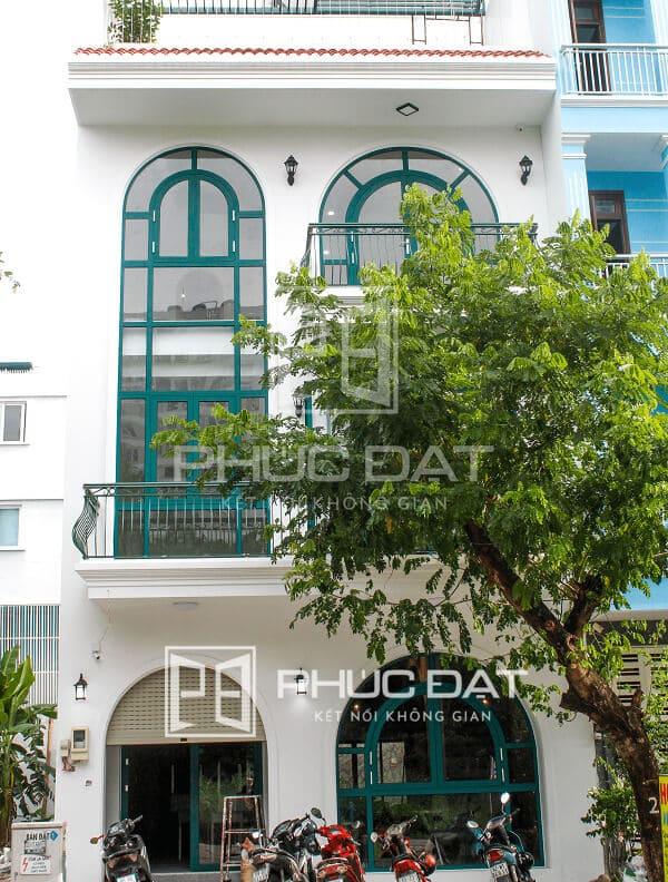 Công trình cửa nhôm Xingfa màu xanh – KDC Phú Mỹ, Quận 7, TPHCM