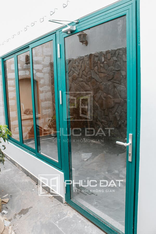 Cửa nhôm Xingfa lắp đặt hoàn thiện đem lại nét sang trọng hiện đại & độc đáo cho công trình.
