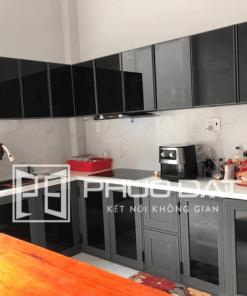 Mẫu tủ bếp nhôm Xingfa đẹp do Phúc Đạt thực hiện.