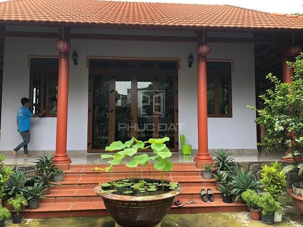Mẫu cửa Xingfa 4 cánh lắp đặt cho biệt thự ở Tân Uyên, Bình Dương.