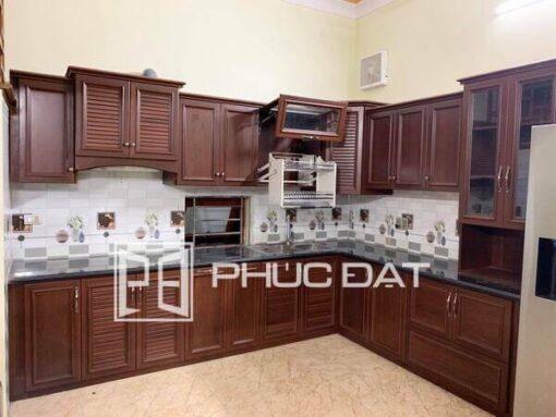 Tủ bếp cao cấp do Phúc Đạt lắp đặt hoàn thiện.