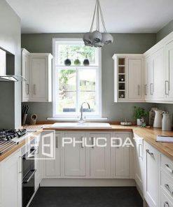 Tủ bếp cao cấp màu trắng.