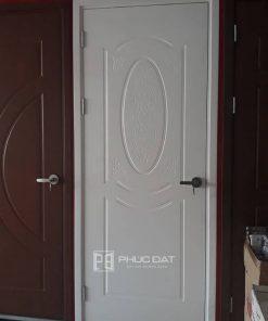 Cửa gỗ nhựa composite với khoảng 8 màu cửa với nhiều kiểu vân thiết kế đa dạng.