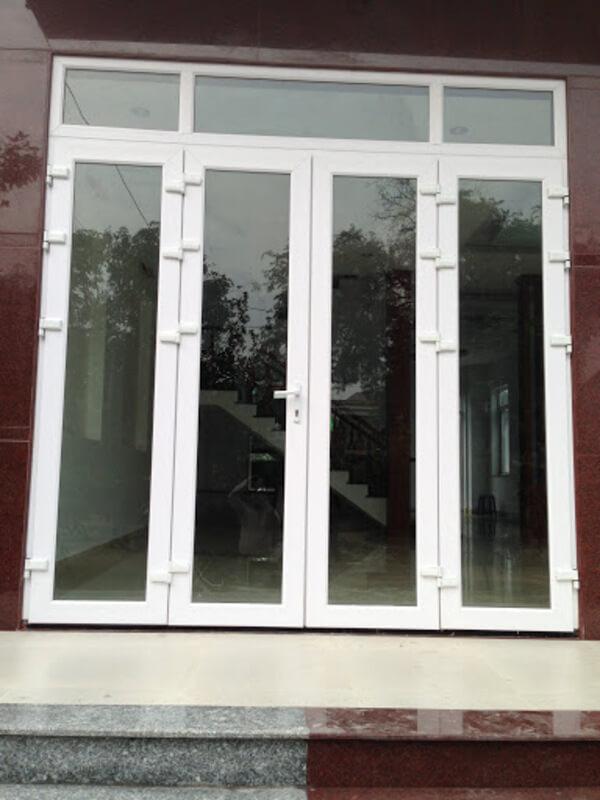 Cửa nhựa lõi thép chuẩn kích thước cửa 4 cánh lỗ ban.