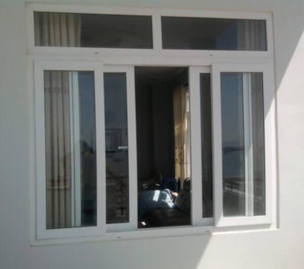 Cửa sổ nhôm kính 4 cánh nhôm Xingfa màu trắng.
