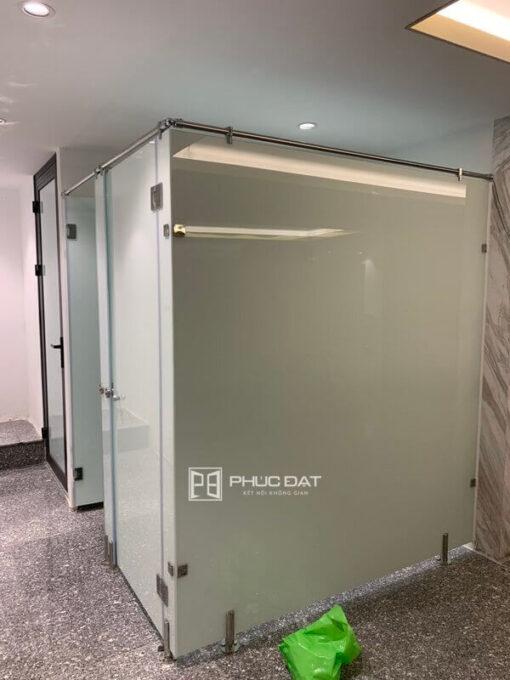 Công trình nhôm kính nhà vệ sinh sang trọng thi công tại TPHCM.