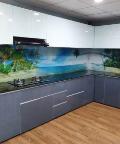 Tủ bếp nhôm kính màu giá rẻ tại showroom Phúc Đạt.