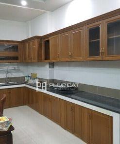 Công trình thay mới tủ bếp gỗ sang tủ bếp nhôm giả gỗ tại Gò Vấp