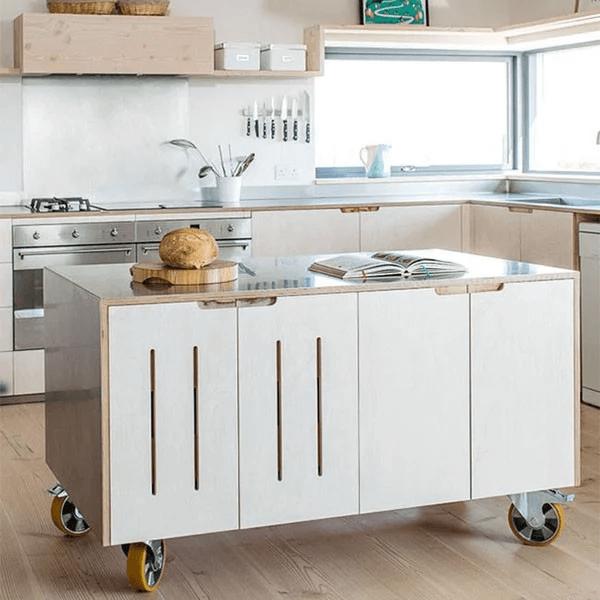 Mẫu tủ bếp di động với thiết kế nhỏ gọn có thể sử dụng như đảo bếp.