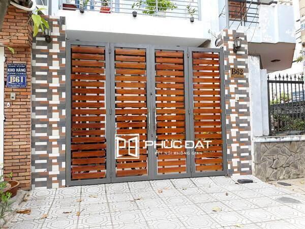 Màu sơn cửa cổng sắt đẹp giả gỗ.