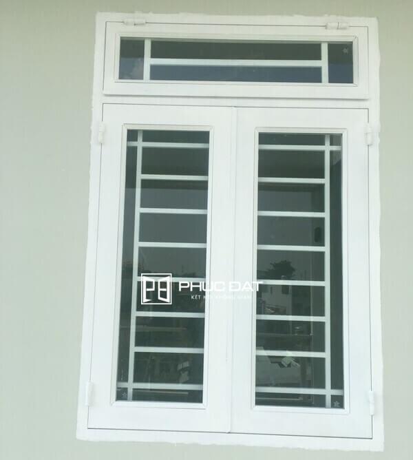Mẫu cửa sổ sắt 2 cánh đẹp.